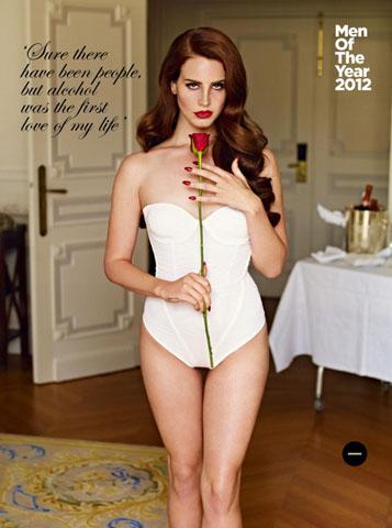 Fotos: 'La mujer del año' posa sin ropa