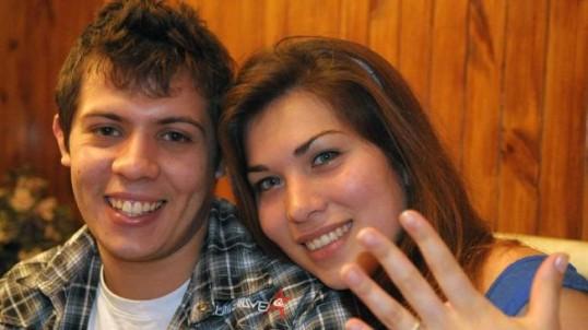 Video: Pide matrimonio a su novia durante la proyección de 'Batman'