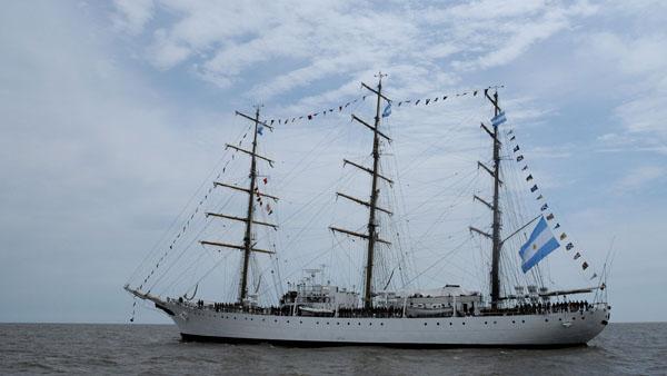 Los marinos de la Fragata Libertad retornan a Argentina