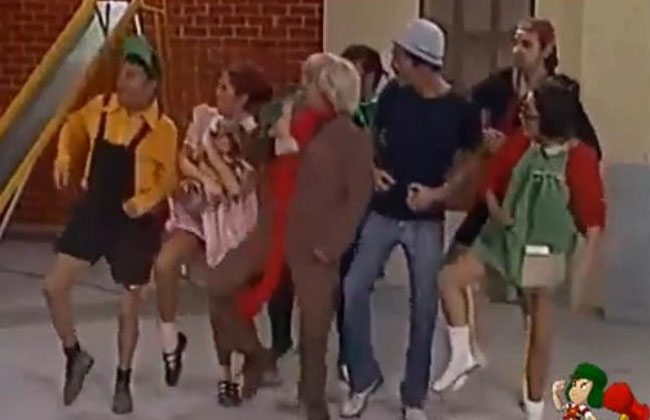 Video espectacular: ¿Psy robó el 'Baile del caballo' al Chavo del 8?