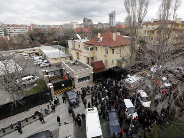 Turquía: atentado en la embajada de Estados Unidos deja dos muertos - Video