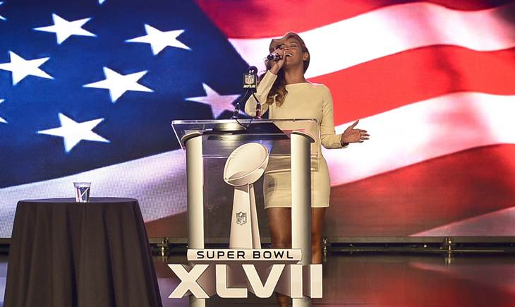 Video: Beyoncé canta en vivo el himno de Estados Unidos